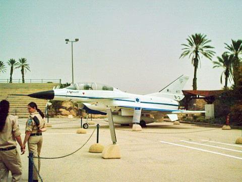 מטוס הלביא